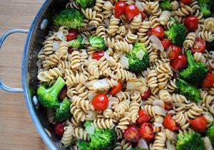 Quick Broccoli Tomato Pasta