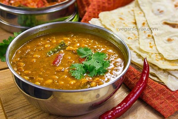 White Bean Curry, Mauritian Roti, Farata & Fillings