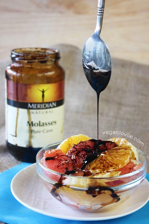 Molasses on fruits