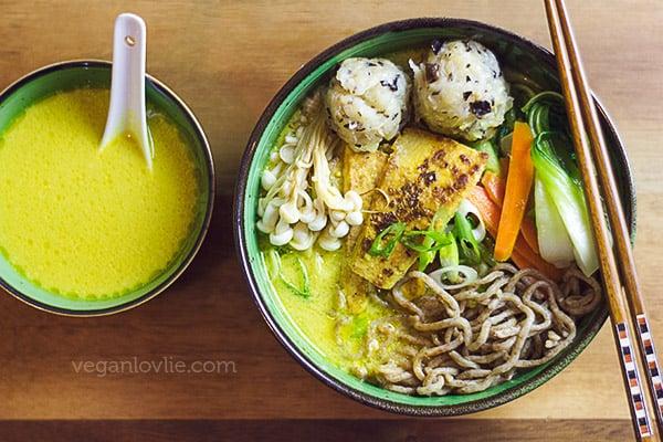 Curry ramen noodle soup