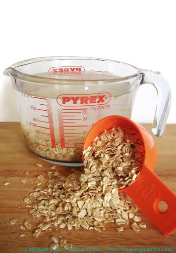 Homemade oat milk, agar agar, basil seeds, alouda recipe