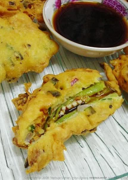 okra bhaji with sauce