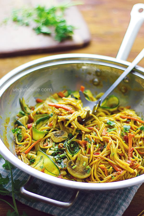 One Pot Pasta Curry Spaghetti With Tomato Courgette