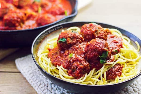 spaghetti vegan meatballs, vegan meatballs, meatless meatballs, tvp meatless balls