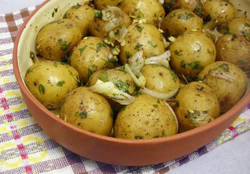 Garlic Roasted Baby Potatoes