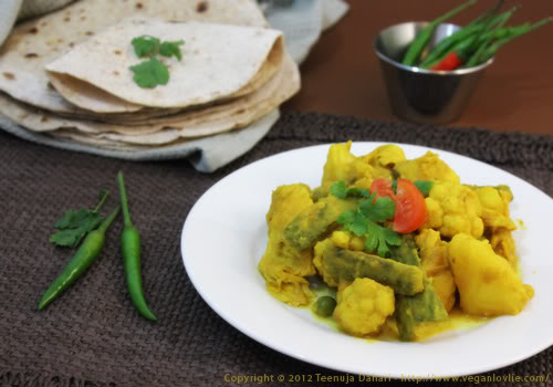 Bitter gourd and cauliflower curry