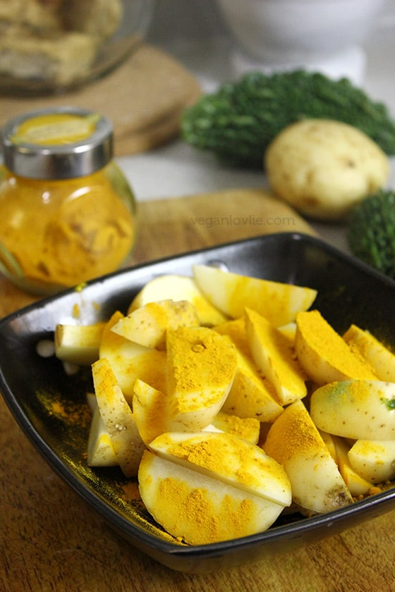 Curried bitter gourd with potatoes, curry margoze, Mauritian recipe