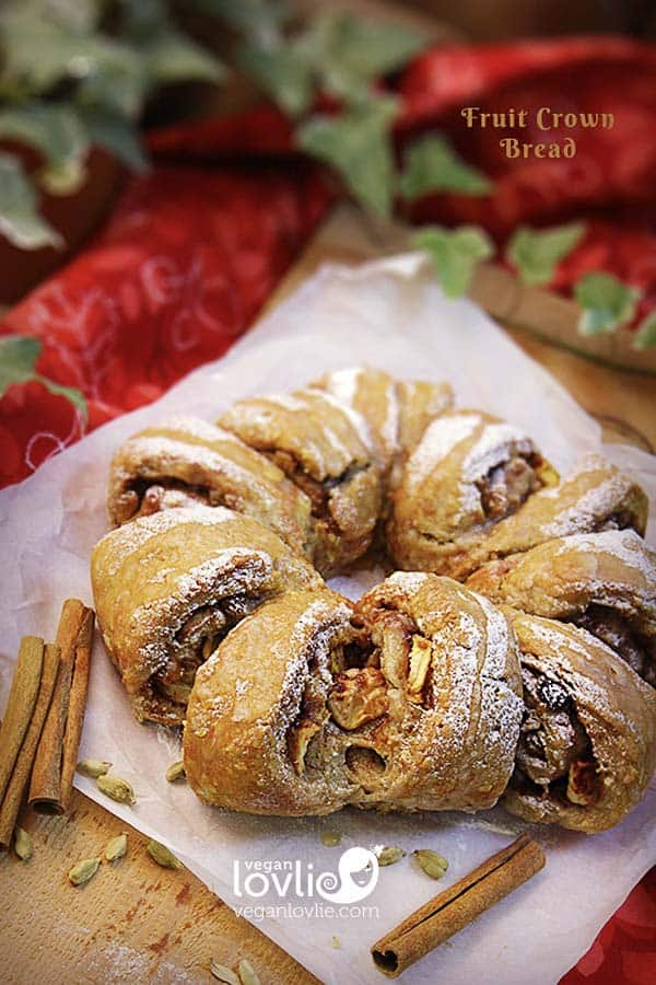Christmas/Holiday crown bread wreath