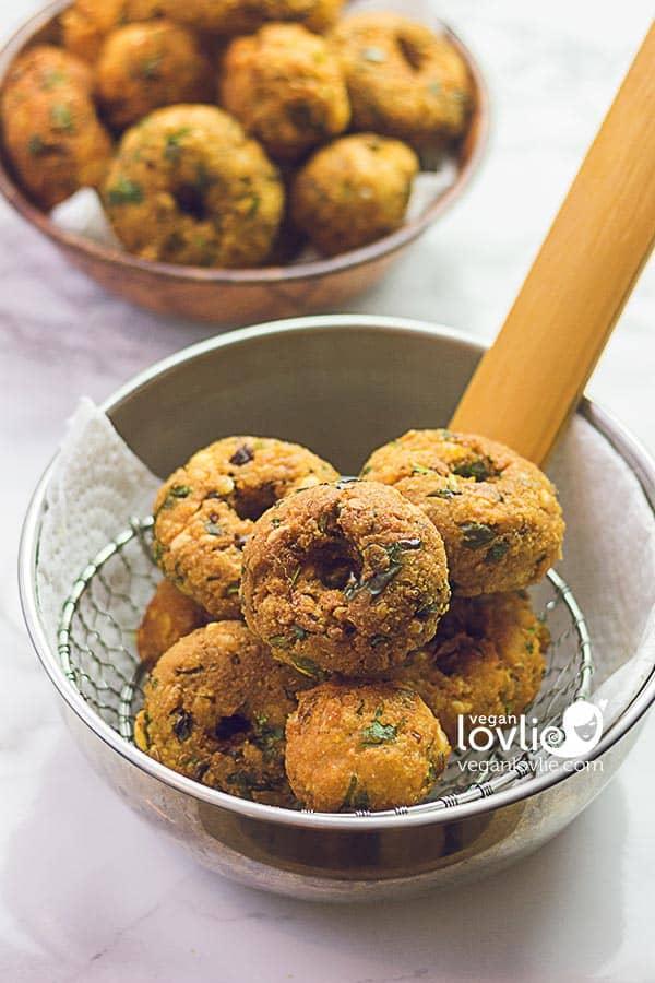 Dal chilli fritters - Gateau Piment Mauricien - Lentil vada recipe