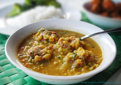 dhalcake in dhal soup, gateau piment, recette curry burry