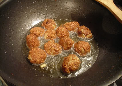 meatless balls, vegan meat balls