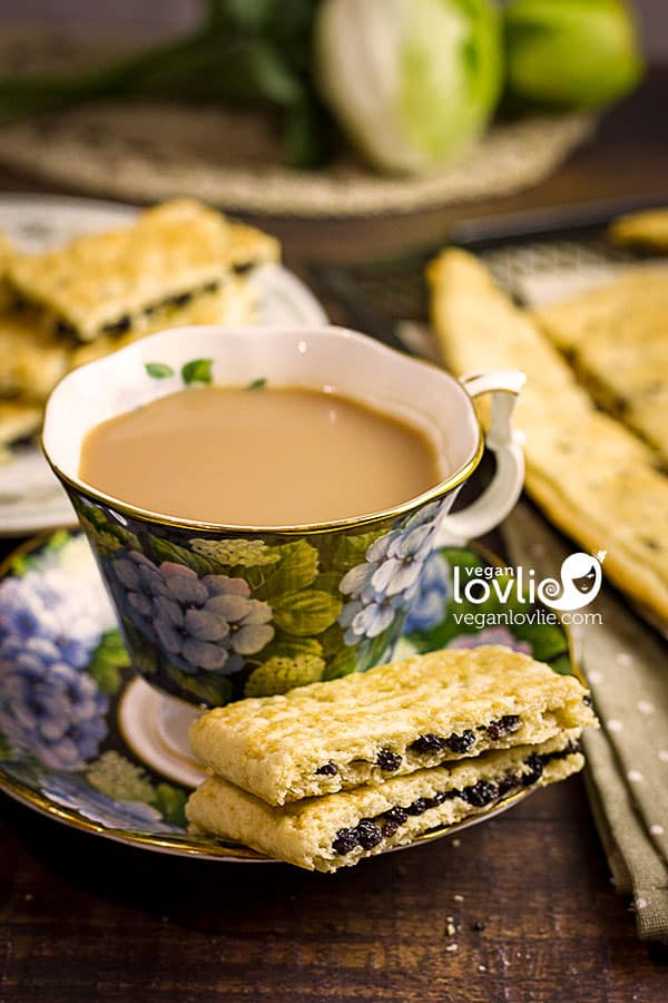 Garibaldi Biscuits Recipe served with a cup of tea - Currant Raisin Cookies