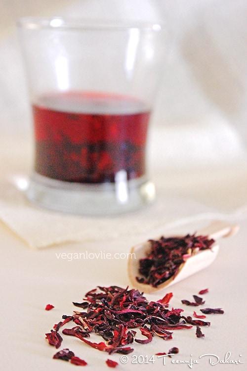 Hibiscus Berry Smoothie
