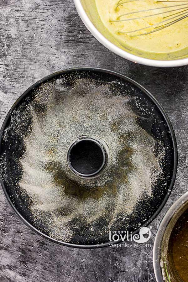 How to flour a bundt pan