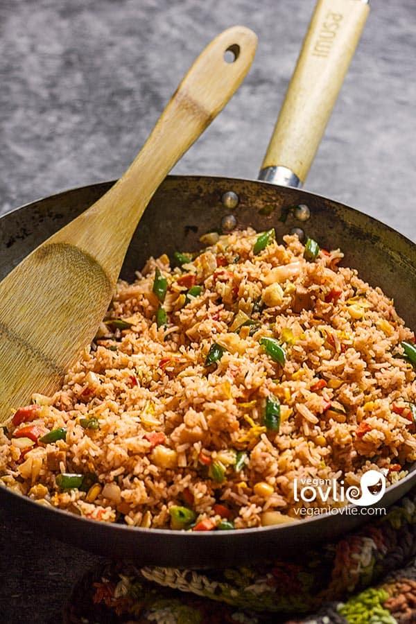 Cheesy Nooch Tomato Fried Rice - Vegan Vegetable Cheesy Rice Dish - Veganlovlie