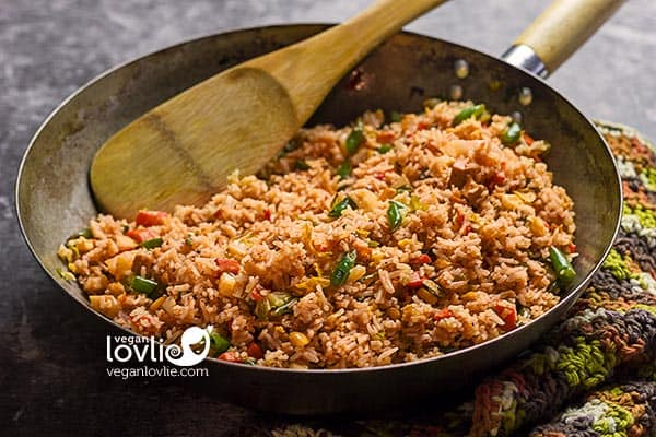 Cheesy Nooch Tomato Fried Rice - Vegan Vegetable Cheesy Rice Dish - Veganlovlie