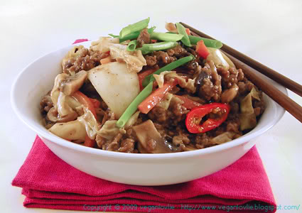 noodles with stir-fry vegetables and vegan mince in black bean sauce