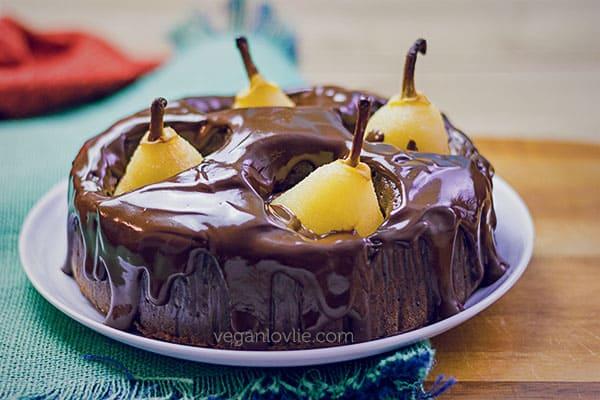 Pear Chocolate Cake in a Pressure Cooker