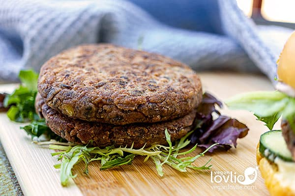 Red Bean and Black Rice Burgers