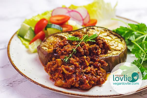 Roasted Eggplant Steaks with Veggie Meatless Mince Sauce #veganlovlie