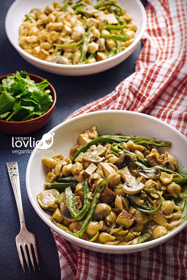 Smoked Tofu Mushroom Stroganoff with Green Beans, vegan stroganoff recipe