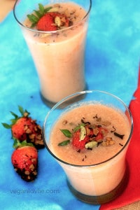 Chai Smoothie, Spiced tea strawberry banana smoothie