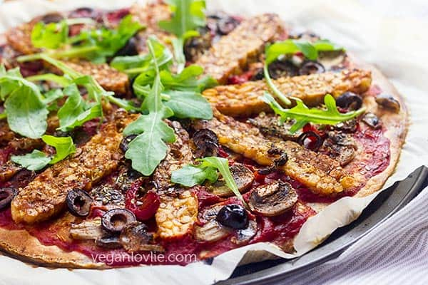 Harissa Tempeh Pizza without cheese and with no knead pizza dough, cheeseless pizza