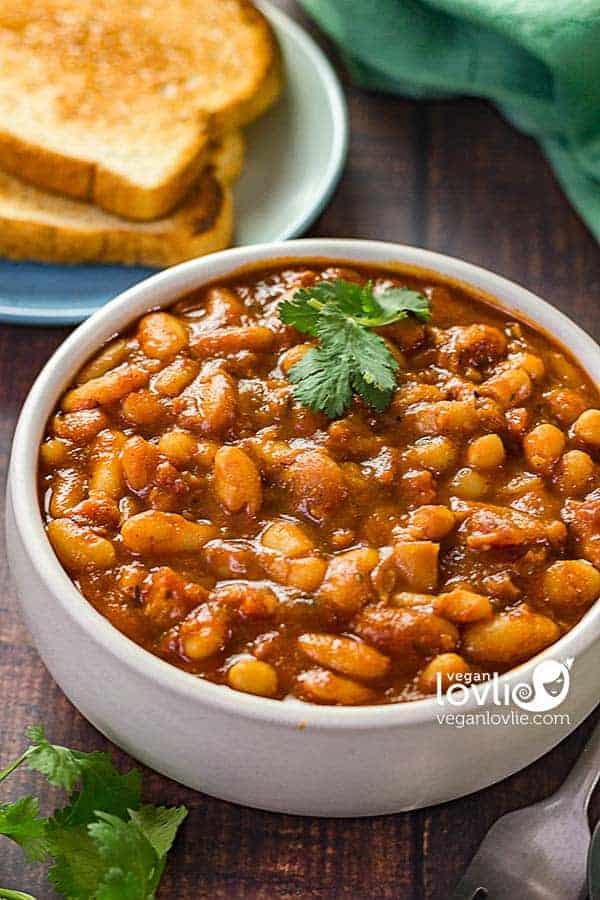 homemade vegan baked beans