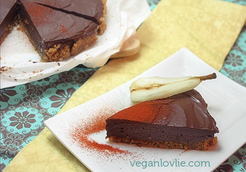 Vegan chocolate cheesecake with Spanish paprika