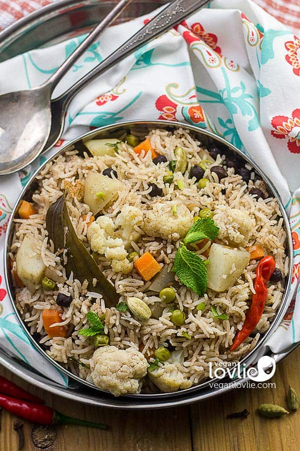 vegetable pulao, one pot rice dish, 30 minute recipe