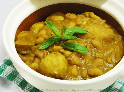 vegan yam curry with pinto beans